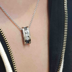 Luxury diamond necklace