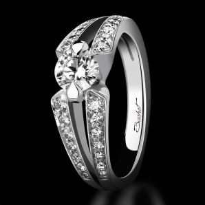 Engagement ring DayLight Sweet Side platinum and white diamonds