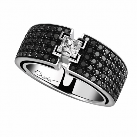 Luxury solitaire wedding ring