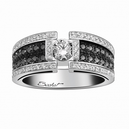 Wedding solitaire ring with diamonds