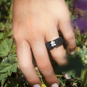 Luxury engagement ring set with black and white diamond