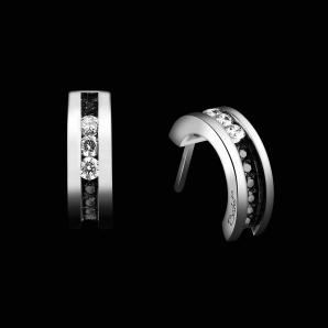 Semi hoop earrings in diamonds Trilogy